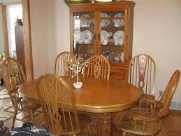 Dining Room Table And Hutch Sets by Best 25 Oak Dining Room Set Ideas On Pinterest Dinning Room