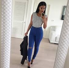 straight hair with outfits beauty golden hairstyles jeans look makeup outfit red