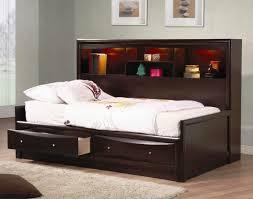 Delighful Simple Bedroom Shelves N Inside Decor - Smart bedroom designs