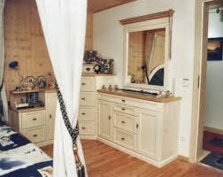 Schlafzimmer Schrank Kirschbaum Massiv Schlafzimmer Platz Gewinnen Durch Maßanfertigung