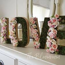 Shabby Chic Bridal Shower Decorations by Best 20 Bridal Shower Flowers Ideas On Pinterest Bridal Shower