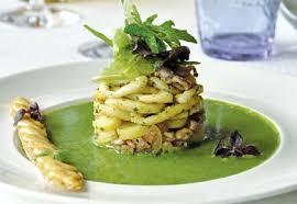 cuisiner le cresson encornets grillés salade de rattes coulis de cresson recette