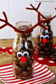 Christmas Reindeer Table Decor by Best 25 Reindeer Decorations Ideas On Pinterest Christmas