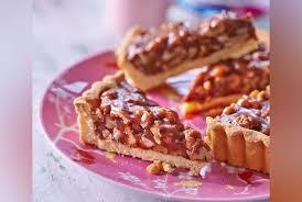 recettes de julie andrieu cuisine la recette de la tarte aux noix de julie andrieu cuisine version