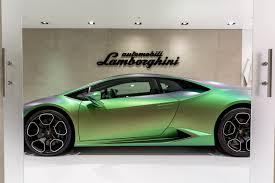 Lamborghini Huracan With Spoiler - auto trader uae news lamborghini new huracan