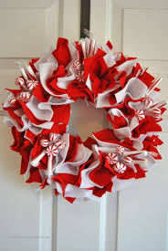 peppermint holiday wreath sparkles of sunshine