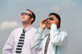 Does Looking At An Eclipse Blind You Solar Eclipse 2016 Why Looking Directly At The Sun Could Fry Your