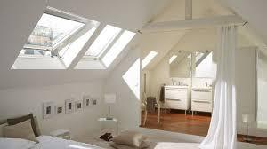 amenagement d un grenier en chambre aménager combles ou grenier les règles à connaitre côté maison