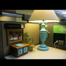 Ideas For Decorating An Office Best 25 Decorating Work Cubicle Ideas On Pinterest Diy Decorate