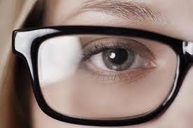 bright flashes of light in eye seeing flashing lights in vision what you need to know