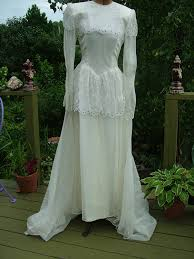 vintage 1930s wedding dress antique bridal gown very tres