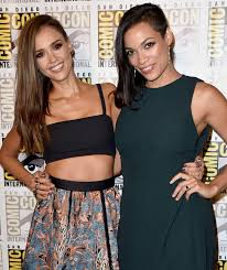 Half Shaved Hairstyles Girls by How To Fake Rosario Dawson U0027s Cool Haircut Just Like Jessica Alba