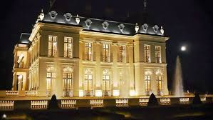 french mansion chateau louis xiv becomes world u0027s most expensive