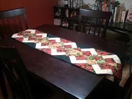 Christmas Plaid Table Runner by 20 Cute And Easy Christmas Sewing Projects