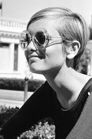 twiggy hairstyles for women over 50 best 25 twiggy ideas on pinterest twiggy style twiggy hair and