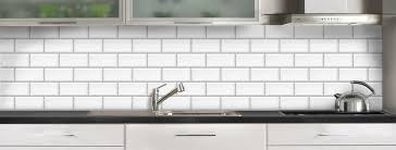 credence cuisine sur mesure crédence de cuisine carrelage métro blanc sur mesure aluminium ou