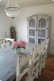 3 ways to make your own distressed wooden table