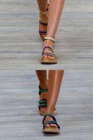 designer sandaletten flache damenschuhe und sandaletten schick im sommer