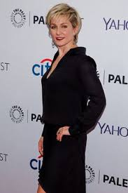 amy carlson new short haircut on blue bloods amy carlson as linda reagan blue bloods 1 pinterest amy