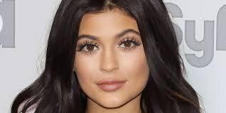 kylie jenner reduces revenge body contestant to tears