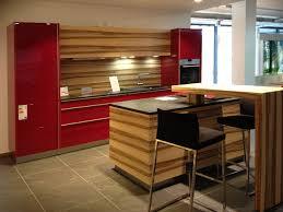 moderne kche mit kleiner insel arctar rot küche kleine