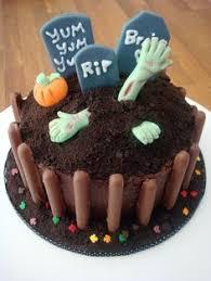 cool homemade spooky halloween graveyard cake graveyard cake