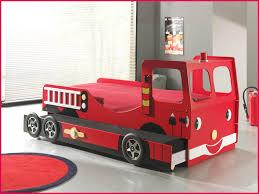 chambre enfant pompier chambre enfant voiture 18735 lit enfant camion de pompier avec