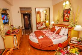 candle lit bedroom candle lit hotel room xtremewheelzcom pictures light dinner in