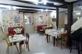 Bossanova Contemporary Leather Dining Room Interior Hotel Cordes Sur Ciel La Bastide De Cordes