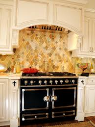 kitchen backsplash ideas with cream cabinets breakfast nook