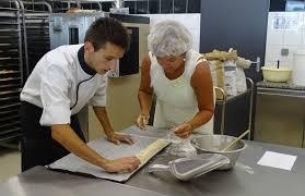 cours de cuisine macarons cours de pâtisserie macarons tourist office of provence alpes