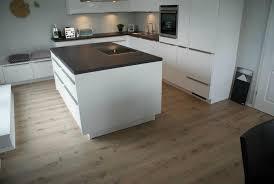 laminat in der küche laminat kundenprojekte und referenzen arbor holzhandel