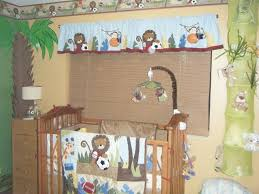 foxy image of safari baby nursery room decoration using colorful