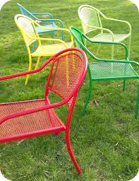 Painting Metal Patio Furniture - 29 cool spray paint patio chairs pixelmari com