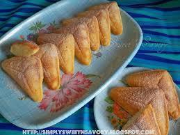 Simply Sweet n Savory Vanilla Triangle Cake In a Sandwich maker