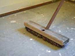 Concrete Floor Sweeping Compound by How To Install A Laminate Floor How Tos Diy