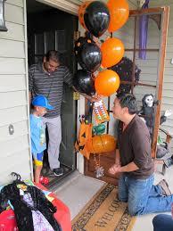 spirit halloween modesto ca boy with brain cancer brings halloween to sick kids video huffpost