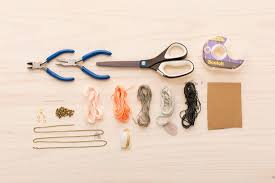 Basic Diy Loom And Woven by Learn How To Make A Woven Necklace Using A Diy Loom Brit Co