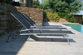 chaise longue transat sélection chaise longue et transat autour de la piscine