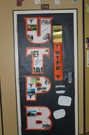 23 door with longhorn theme decorating door on pinterest charlie