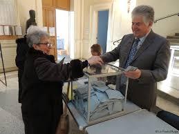 bureau de vote 15 participation en hausse à 15 heures au bureau de vote de la mairie
