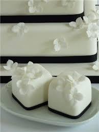 mini wedding cakes creative of wedding mini cakes 1000 ideas about mini wedding cakes