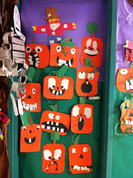 Cute Halloween Door Decorating Ideas How To Decorate A Classroom For Halloween