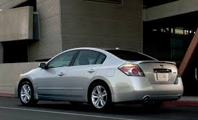 nissan altima slammed i think something u0027s wrong when a stock altima has more stance than