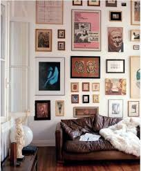 how to do a gallery wall 9 gallery walls done right apartment therapy