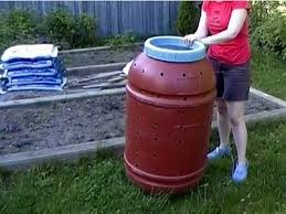 How To Make A Compost Pile In Your Backyard by 4 Diy Compost Bins You Can Build In One Day Video Treehugger