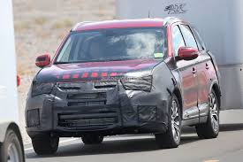 mitsubishi suv 2015 2015 mitsubishi outlander facelift spied towing a trailer