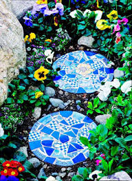 28 stunning mosaic projects for your garden amazing diy