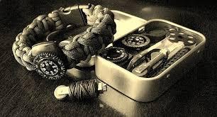 survival paracord bracelet kit images Paracord bracelet w compass and kit crisscrossed solomo flickr jpg