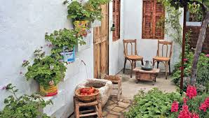 Italian Courtyard Garden Design Ideas - Italian backyard design